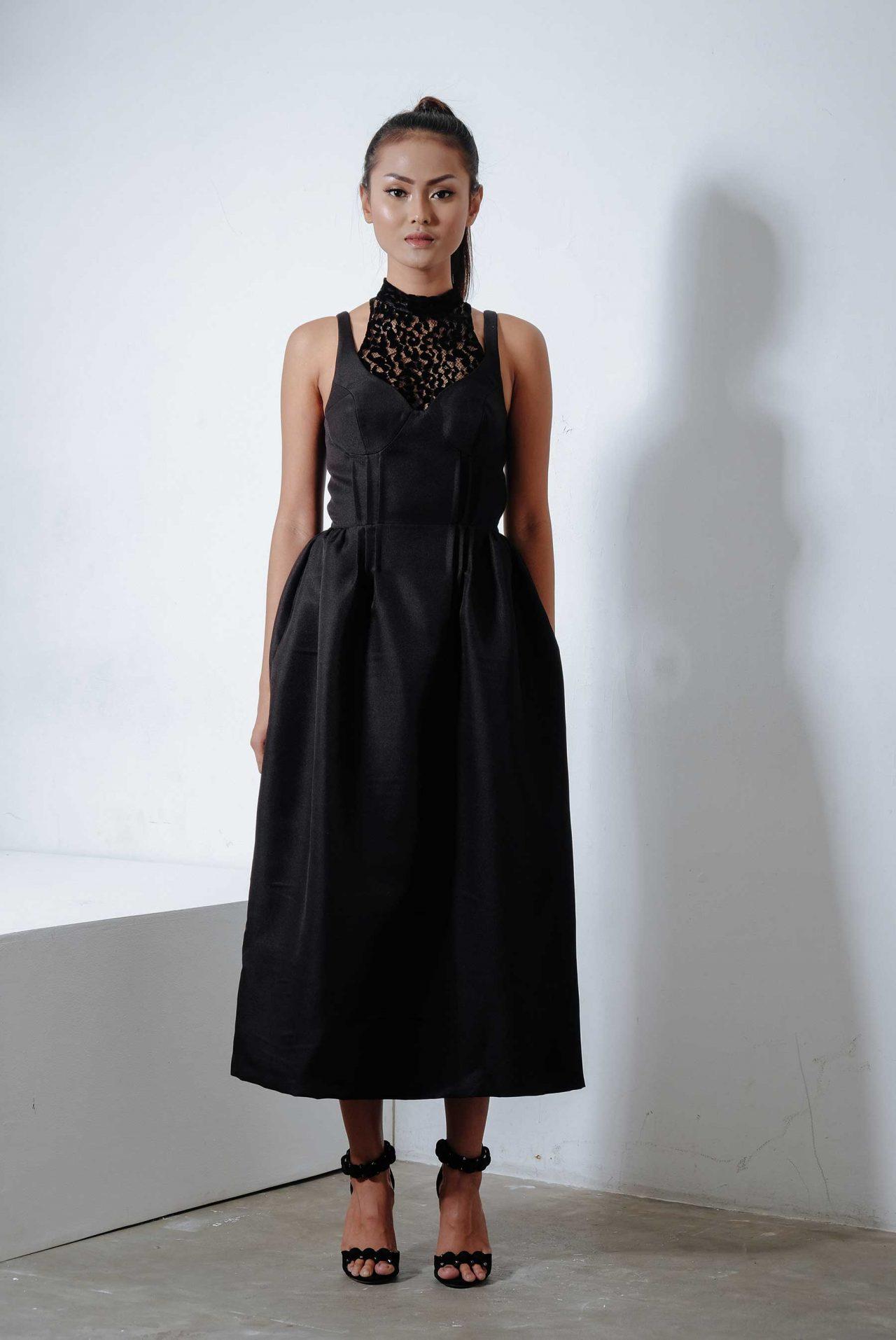 11113–Lace-Hook-and-Eye-Dress