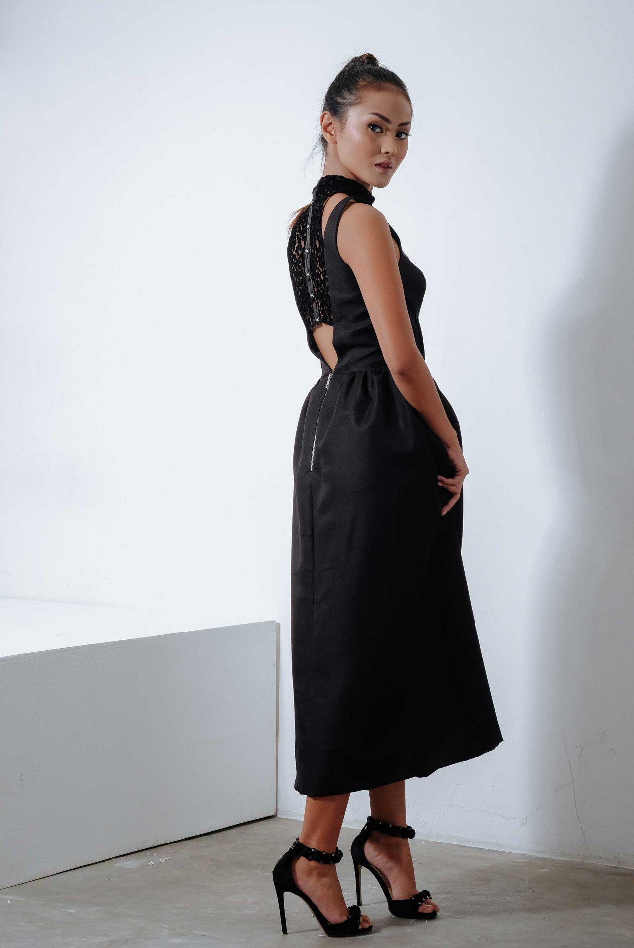 11113–Lace-Hook-and-Eye-Dress2