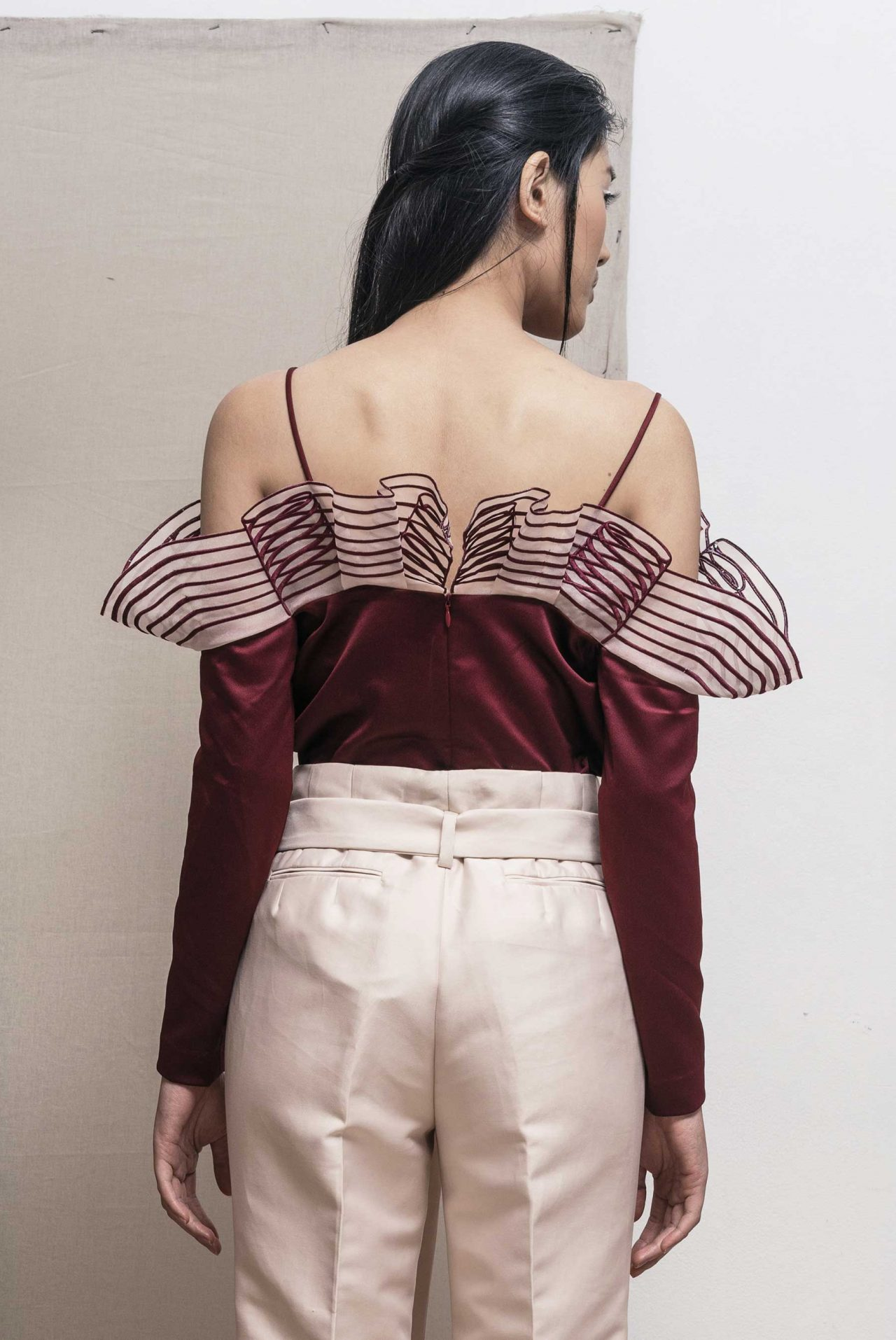 4203-flounce-structured-top3