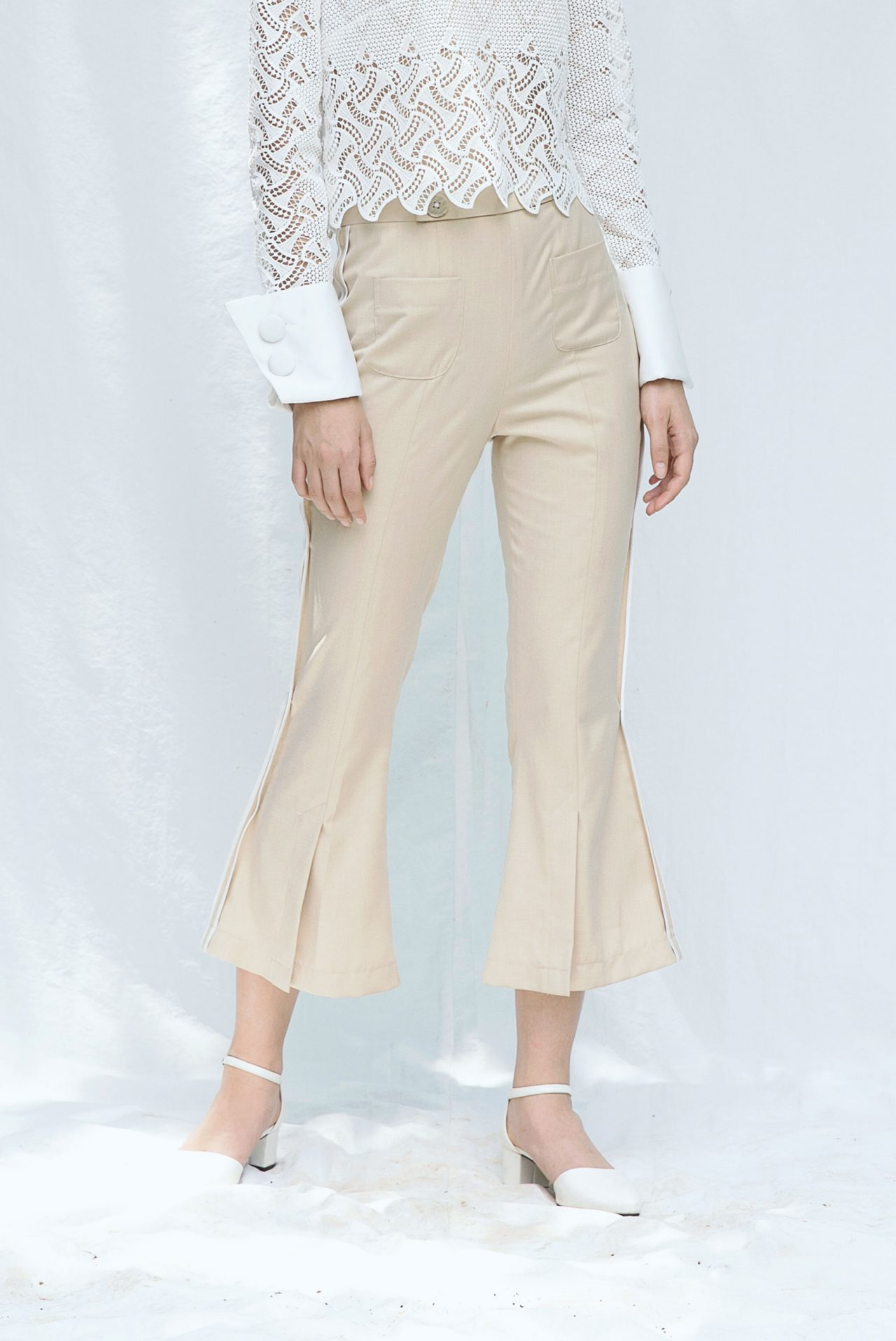 7424-flare-pants-with-slits