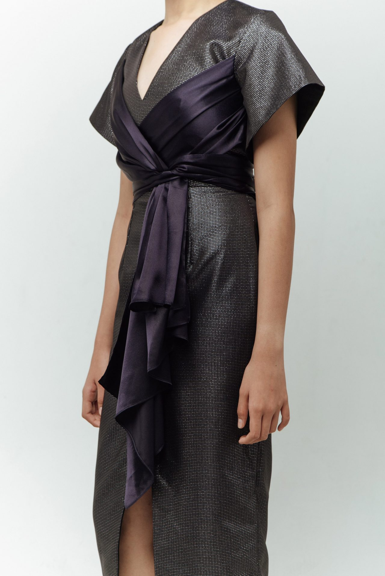 BACK-DETAIL-WITH-FRONT-RIBBON-MIDI-DRESS-1
