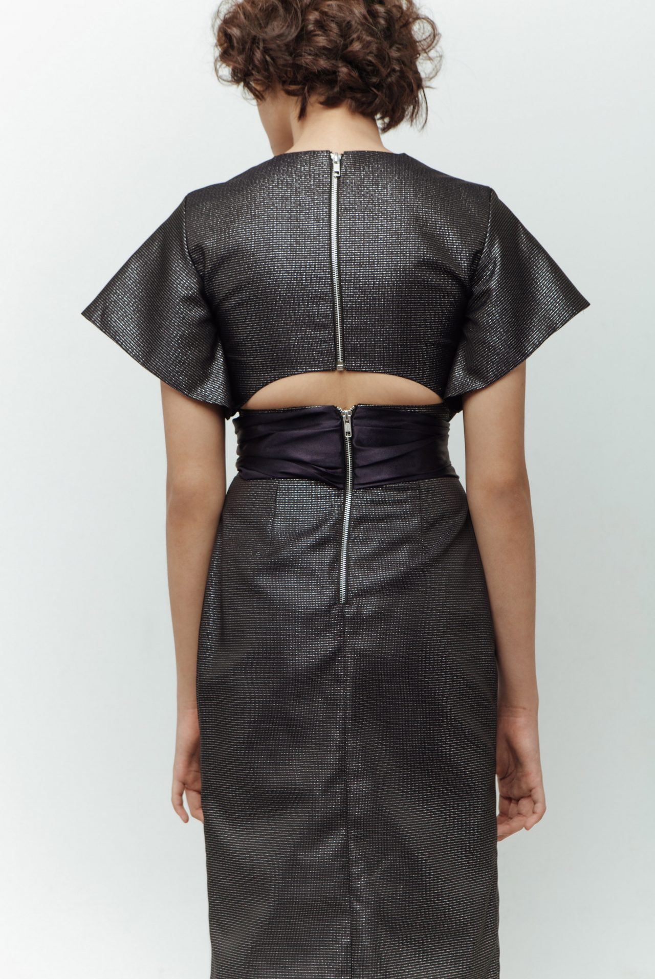 BACK-DETAIL-WITH-FRONT-RIBBON-MIDI-DRESS-3