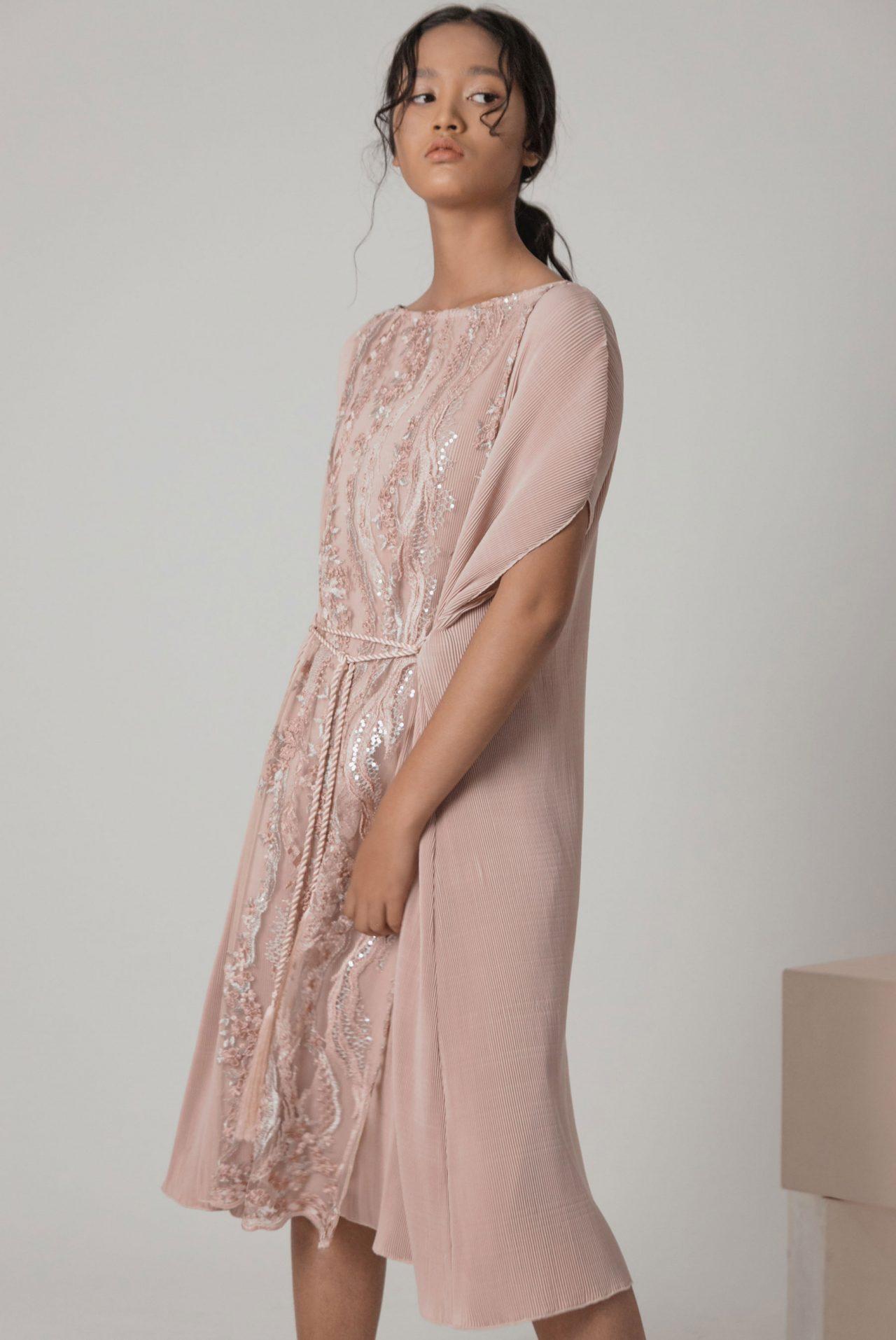mauve-pleated-kaftan-dress-4