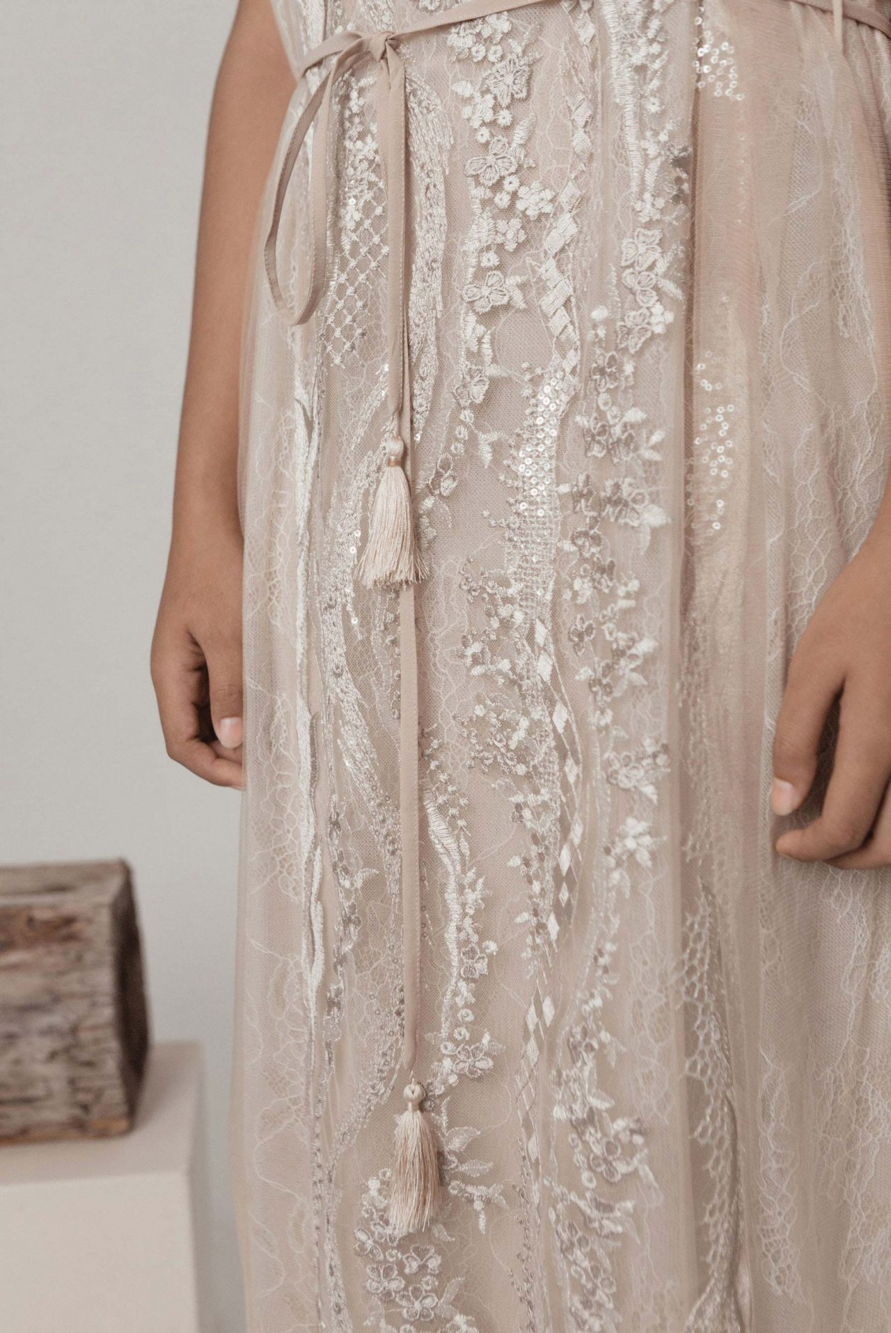 nude-embroidery-lace-set-2