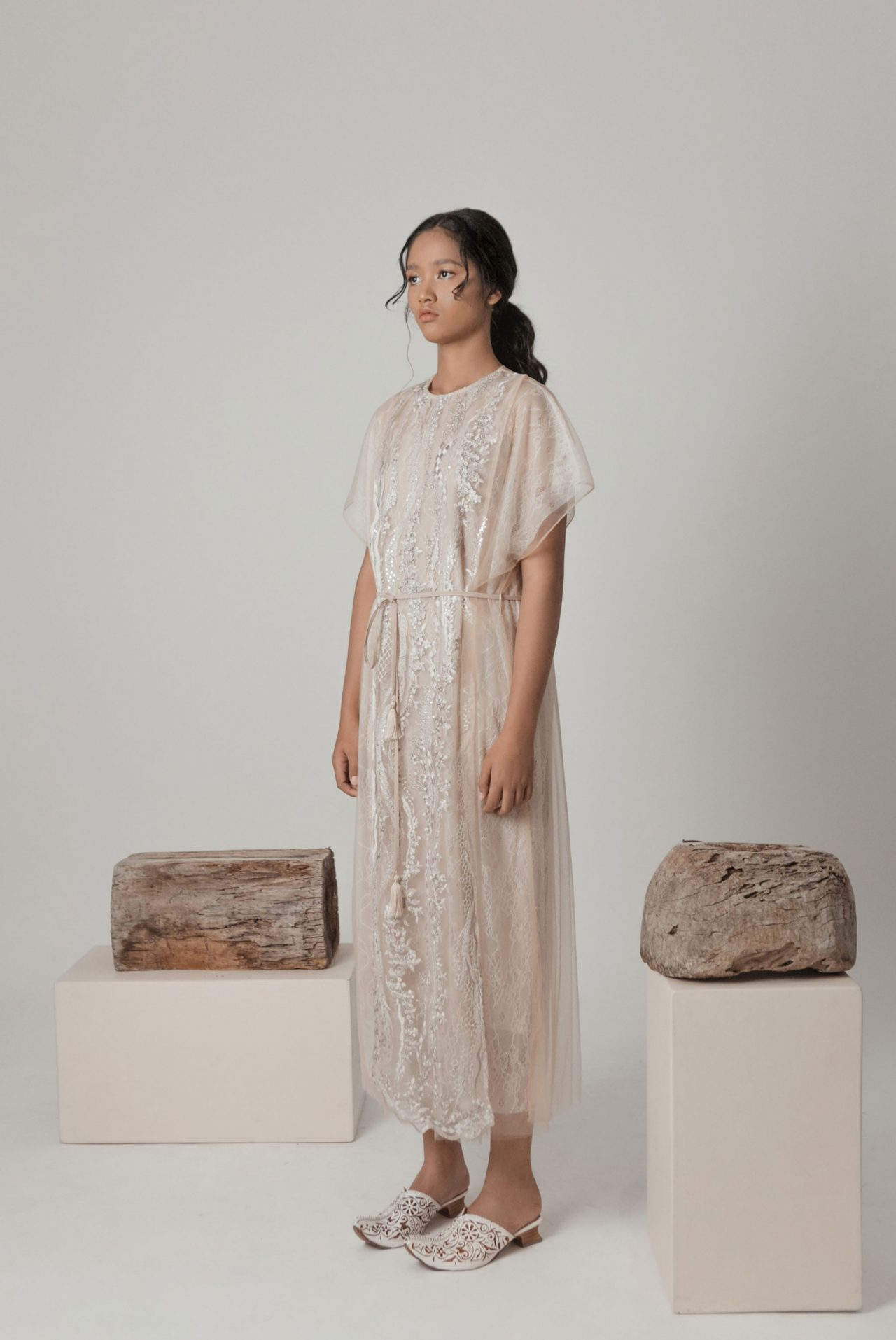 nude-embroidery-lace-set-3